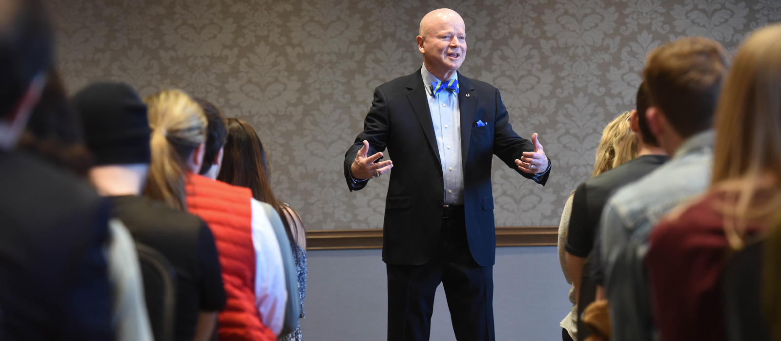 Former Dollar General CEO Discusses Business Ethics, Faith in Corporations with Students